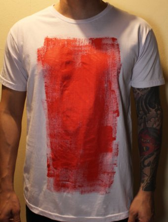Camiseta Branca Unisex Red Abstract