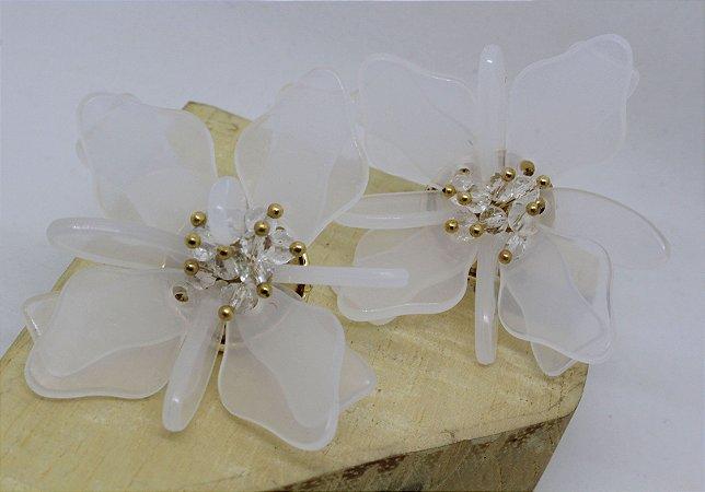 Brinco Flor Branca e Dourada