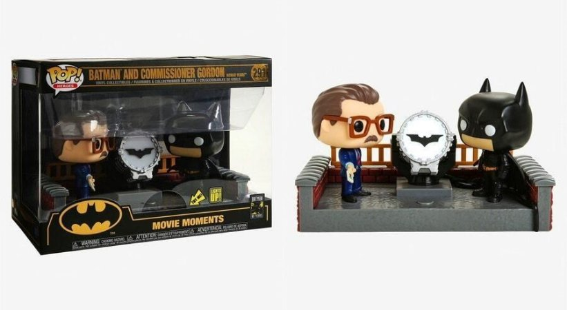 Funko Pop 291 Batman and Commissioner Gordon with Light Up Bat Signal