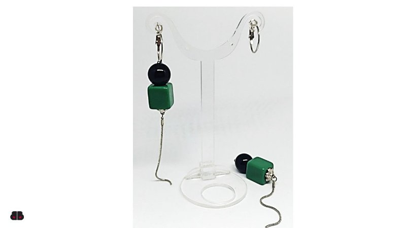 Brincos Cubo Verde e Esfera Preta, prateado
