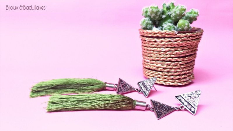 Brincos Triângulo e Tassel Verde
