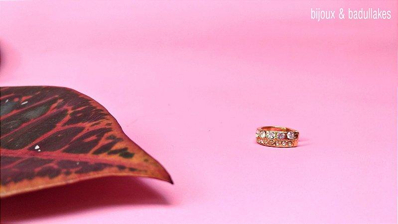 Piercing fake dourado com strass cristal
