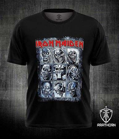 Camiseta manga curta com estampa de bandas
