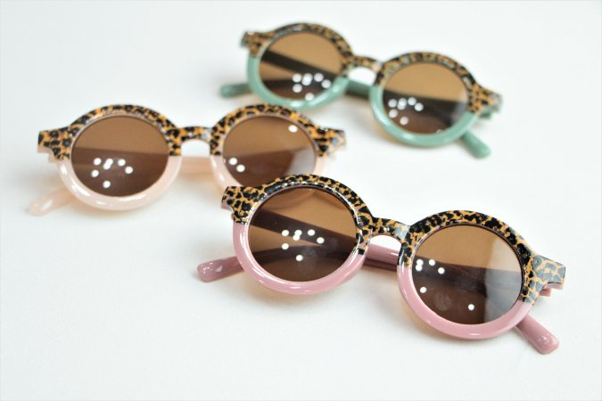 Óculos de Sol Infantil Animal Print com Estojo
