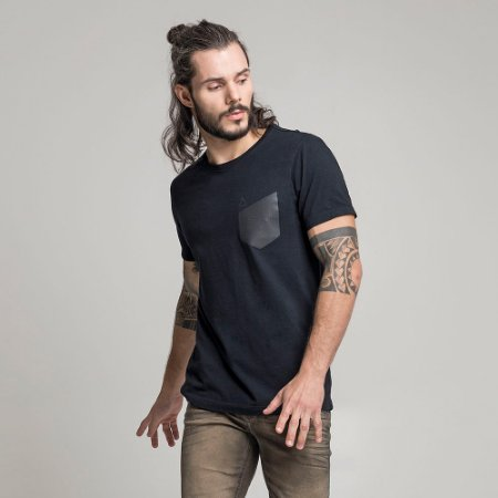 CAMISETA FAKE POCKET PLASTISOL PRETO
