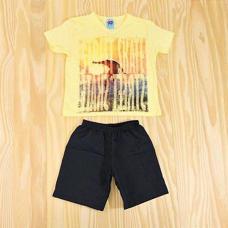 Conjunto Camiseta Amarela e Shorts Azul Marinho Infantil Basic Só