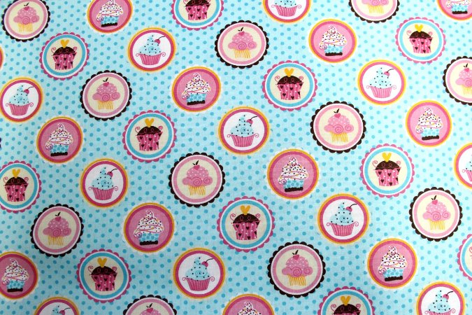 Tecido Círculo Cupcakes Especiais Cor 2075- 0,50cmx1,46 Mts