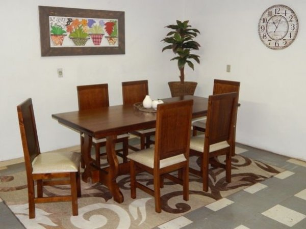 Mesa Tampo Liso com 6 Cadeiras Estofadas Madeira Maciça