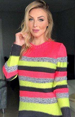 Blusa com listras colorida