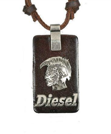 Colar de Couro Diesel Ajustável com Placa de Couro e Crânio - CC23