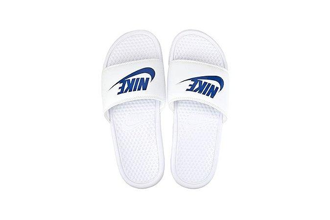 1dcaee8380a Chinelo Nike Benassi Branco - Capivaras Skate Shop