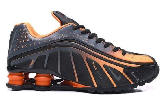 Tênis Nike Shox R4 Preto e Laranja