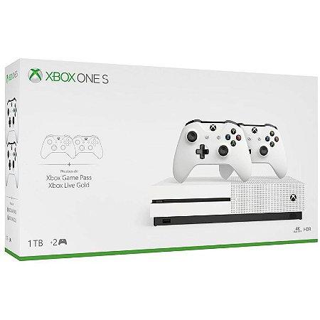 Xbox One S 1TB com 2 controles