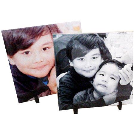 Azulejo Personalizado com Foto 15 cm x 15 cm com suporte de mesa.