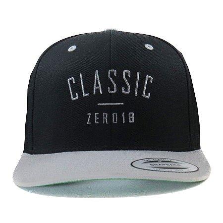 Boné Zero18 Snapback Aba Curva Classic Preto Flexfit