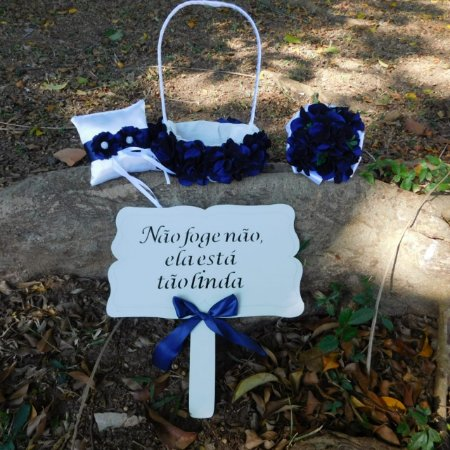 Kit Azul Royal- Cesta para Florista, Porta Aliança, Placa de MDF e Buquê Dama