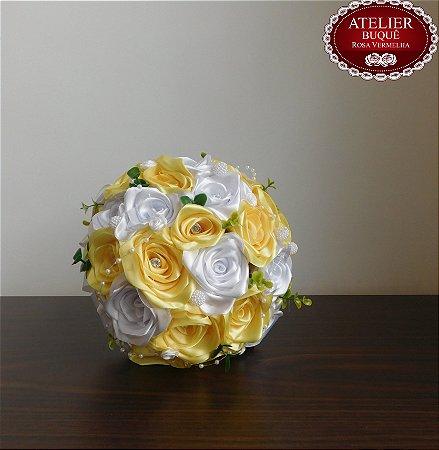 Buquê De Noiva G -  Rosas Colombianas - Com opções de cores e cabo em Strass-
