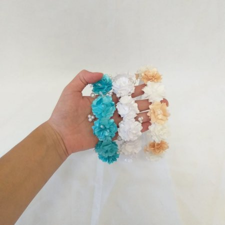 Tiara/ Arco para dama ou floristas