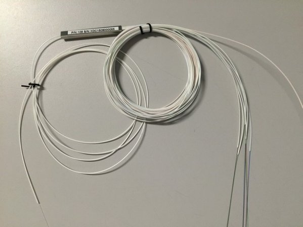 SPLITTER 1X16  0,9mm comprimento 1 metro sem conector