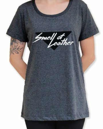 Camiseta Smell of Leather - Linha vulgar sem ser sexy!