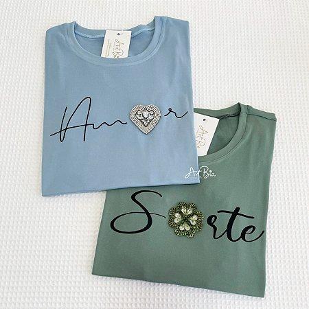Tshirt amor e sorte strass