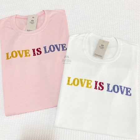 Tshirt Love is Love