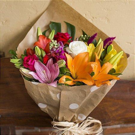 Buquê de flores do campo super colorido