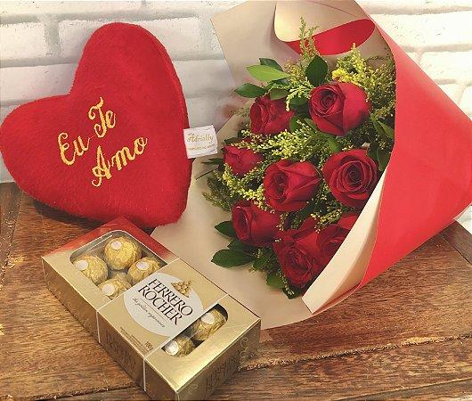 Combo M : Buquê de oito rosas nacionais + bombom ferreiro + pelúcia de coração