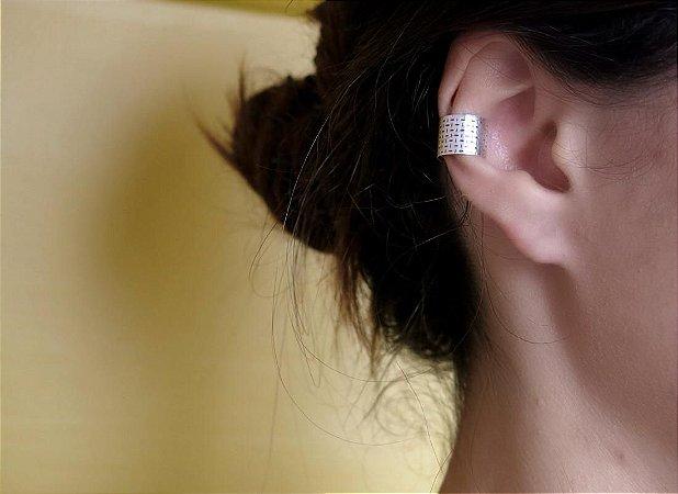 EAR CUFF CHAPA LARGA XADREZ