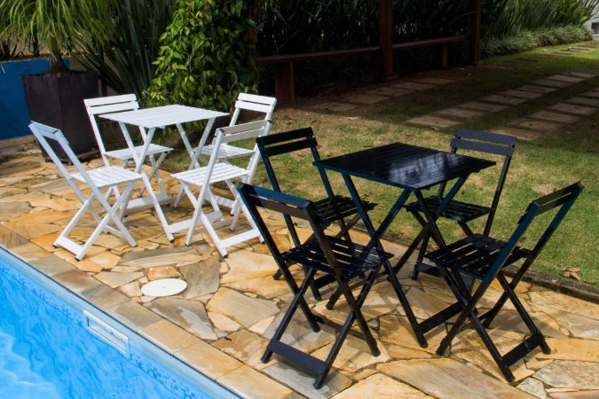 Mesa e Cadeiras de Aluminio