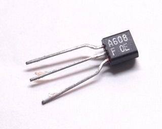 Transistor PNP 2SA608