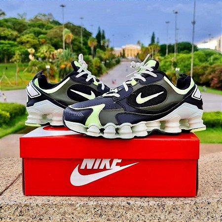 Tênis Nike Shox 12 Molas TL 2021  - Preto e Verde