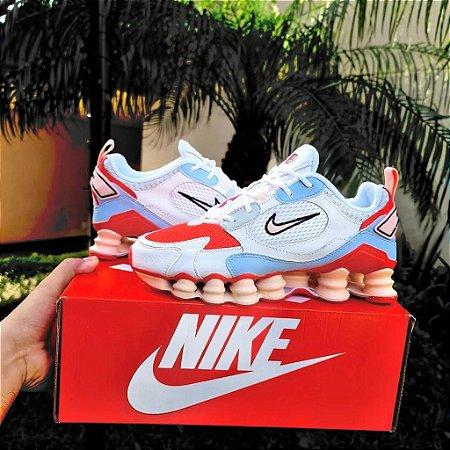 Tênis Nike Shox 12 Molas TL 2021 - Branco/Laranja e Rosa