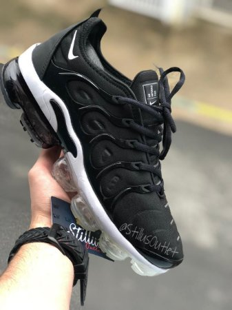 Tênis Nike Air Vapormax Plus - Preto/Branco
