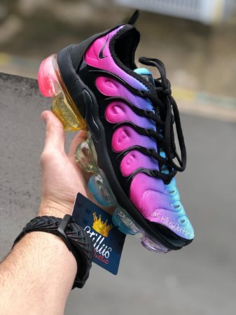 Tênis Nike Air Vapormax Plus - Rosa/Preto