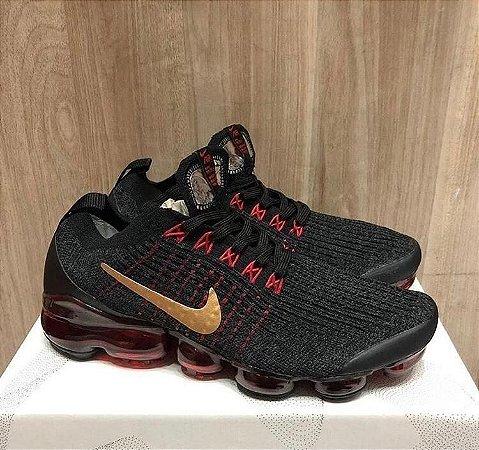 Tênis Nike Vapormax 3.0 - Preto/Dourado