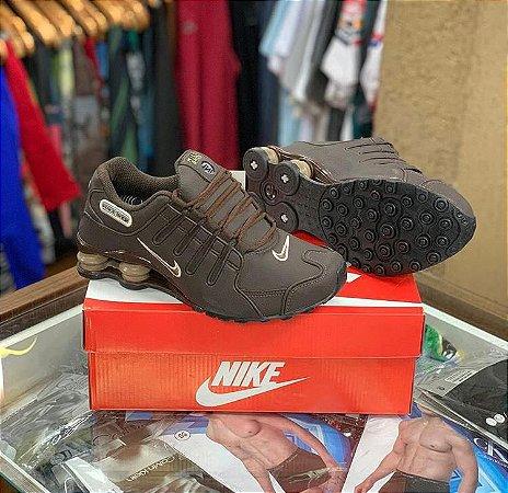 Tênis Nike Shox - Marrom