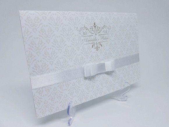 Convite casamento clássico branco suave