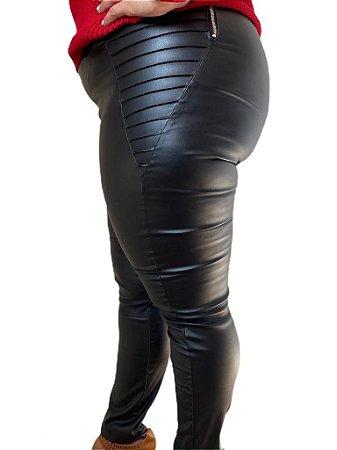 Calça Cirré em Sintético - Plus Size