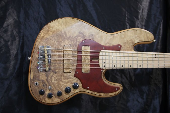 Super Jazz Bass  24 traste 5 cordas