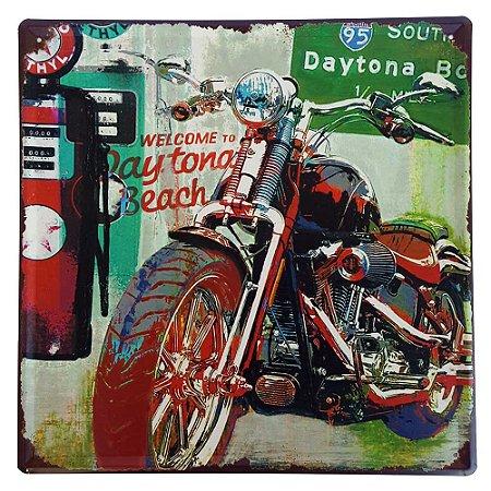 Placa de Metal Decorativa Daytona Beach - 30 x 30 cm