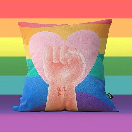 Almofada Pride Day Love Wins