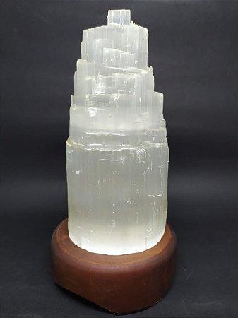 Luminária de Selenita com Base de Madeira - 20 Centímetros (Tamanho da Selenita 15 CM)