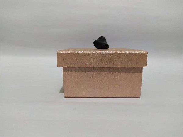 ATACADO - 10 Kits contendo Pedras Roladas Polidas Brasileiras nas cores de cada Chakra (Enviamos 02 Pedras do Chakra Cardíaco: Quartzo Rosa e Quartzo Verde) + Caixinha linda decorativa com pedra Ônix!