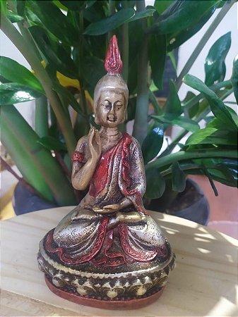 Buda no Altar - Estatueta Meditação - Arte Barroca - Todo pintado a mão