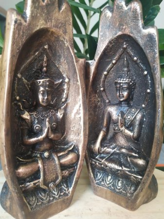 Mão Namastê com Budas Internos - Arte Barroca - Todo pintado a mão