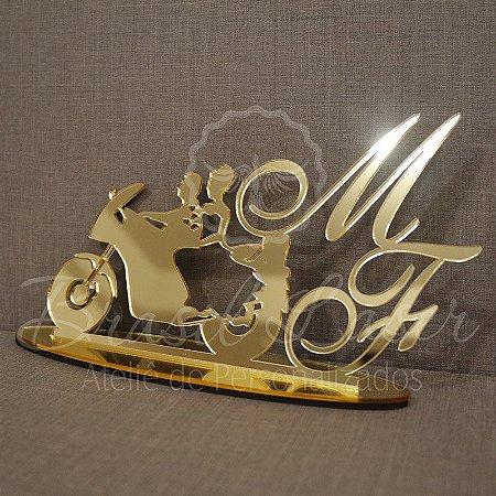 Topo de Bolo Casal Moto Custom (Personalizado com Iniciais que o Cliente Desejar) - TBC 00516A