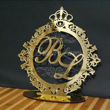 Topo de Bolo Brasão com Coroa (Personalizado com Iniciais que o Cliente Desejar) - TBB 00101F