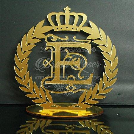 Topo de Bolo Brasão Coroa com Louros (Personalizado com Inicial que o Cliente Desejar) - TBB 00124B