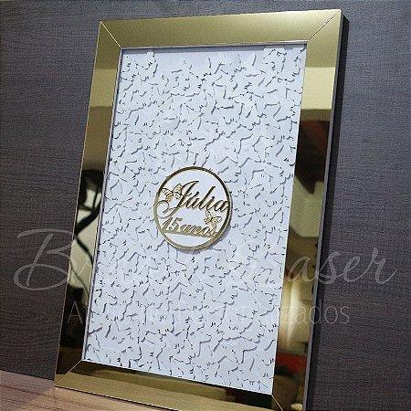 Quadro de Assinaturas Borboleta Pintado com Acrílico Espelhado Personalizado com o Nome e Idade Debutante XV 15 anos - QAV 01008A